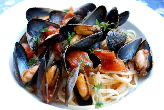 Beneventos » Blog Archive » Mussels Marinara