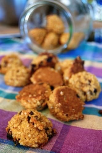 Chewy Pumpkin Oatmeal Raisin Cookies